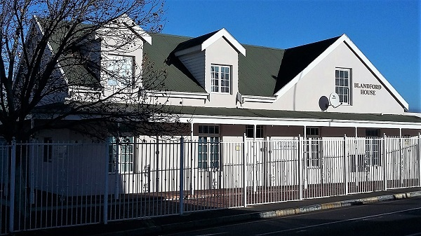 Professional office space available in upmarket building in Somerset West